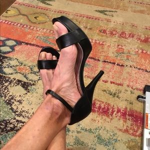 """Unlisted gorgeous 4"""" heels black and sexy"""